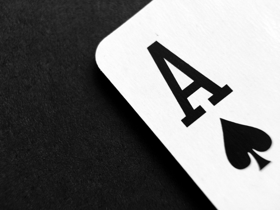 What game to pick at an online casino?