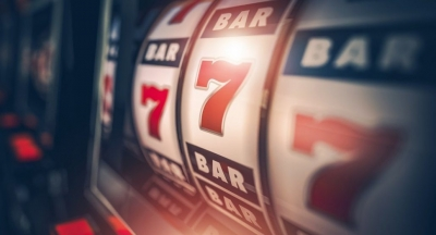 Why are casino bonuses offered by online casinos?