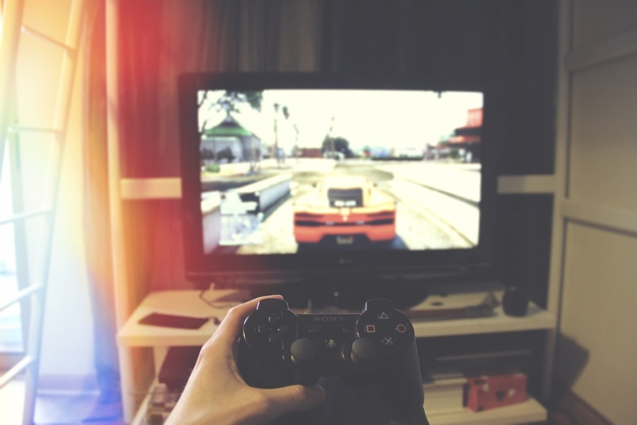 How to Save Money When Gaming Online